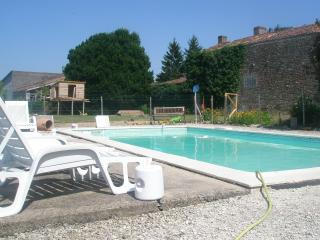 French house and private pool., Fontenay-le-Comte