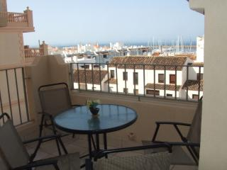 Porto Fino Apartment with Marina and Sea Views, Almerimar