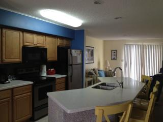 Oceanblock 2 Br, 2 Bath Condo Fun & Sun, Ocean City