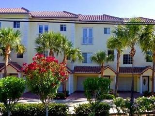 Luxury Waterfront Townhome with Private Boat Slip, Clearwater