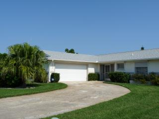 Tropical Home w/Private Pool! 10 Minutes to Beach!, Merritt Island