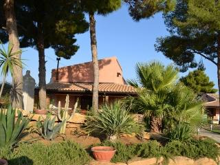 Villa Palma with swimming pool, Menfi