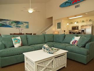 Beautifully decorated Townhouse in a quiet central location on the Island., Corpus Christi