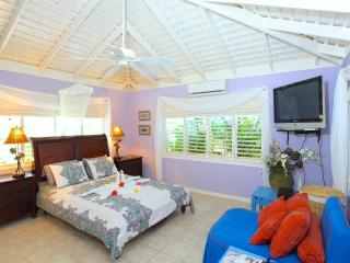 Summertime Villa - 3 Bedrooms, Silver Sands
