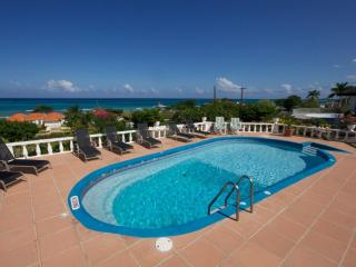 Tu Mac' Villa - 4 Bedrooms, Silver Sands