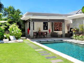 PERFECTLY LOCATED Luxury 3 Bedroom Villa in Legian, Seminyak