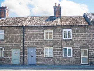 BOBBIN COTTAGE, romantic cottage, WiFi, rural views, terraced cottage in Cromford, Ref. 30581