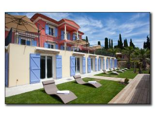VILLA LUXE FOR 14 PEOPLE,, Grasse