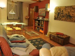 Cozy flat in historic centre up to 4 beds, Génova