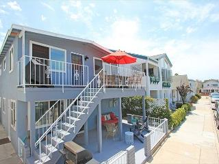 Affordable and newly furnished.  Waterman's paradise: Close to beach and bay!, Newport Beach