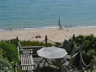 Beach View - stunning luxury sea front property, Bournemouth