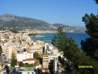 Incredible French Riviera sea view apartment with balcony in Menton, sleeps 4