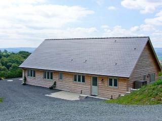GLENTRAMMAN LODGE, quality pet-friendly lodge, superb views, stabling available, near Welshpool Ref 904606