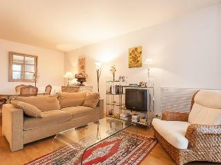 Old fashion Flat Terrace + Parking, Levallois-Perret