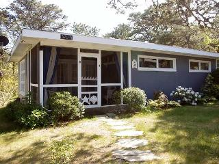 Sea Breeze Cottage at Surf Side, Wellfleet