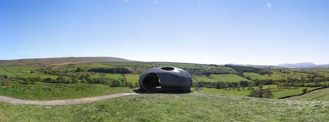 Art and countryside, a good Lancashire tradition