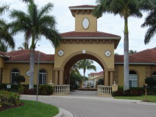 Fabulous Newer Condo In Gardens At Beachwalk, Fort Myers