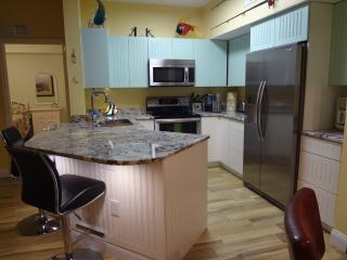 Beautiful 2 Bed Condo Gardens at Beachwalk, Fort Myers