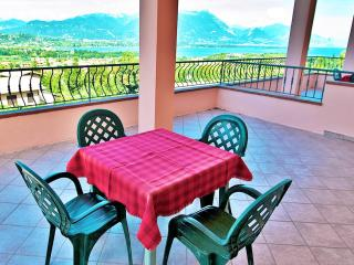 A/4 Apartment with Terrace and Lake View (4 pers), Manerba del Garda
