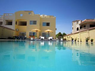 Ground floor Apartment w/ pool, Hurghada