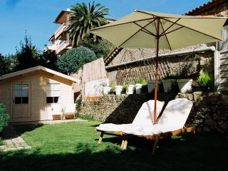 Luxury 2 bed garden apt. 5 mins walk from beach., Cannes