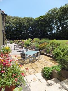 Have a meal on your own private patio area and enjoy the ample garden