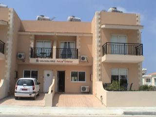 3 PALM TREES TOWNHOUSES, Paphos