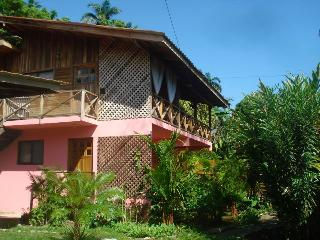 Affordable one bedroom apartment with breakfast, Cahuita