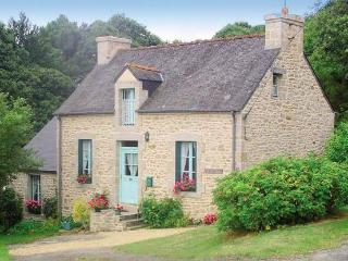 LA CACHETTE SLEEPS 2, 4 AND 6 PERSONS, Pontivy