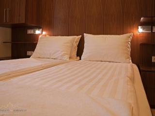 Towels and linen are included in the price