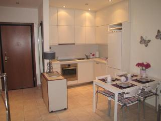 Athens Furnished Apartments - Lovable Experience 9, Tavros