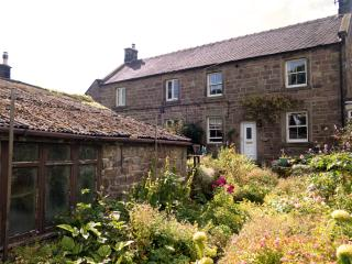 Woodview, a period stone cottage with rural views., Elton