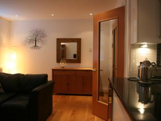 9, The Cobourg, Tenby