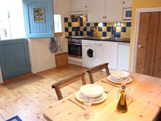 DUNSLEY in Staithes, sleeps 2