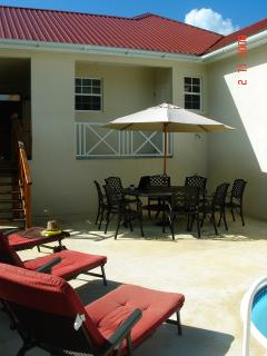 Outside space and barbeque area