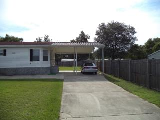 Great 3/2 Mobile with huge carport and lanai, Belleview