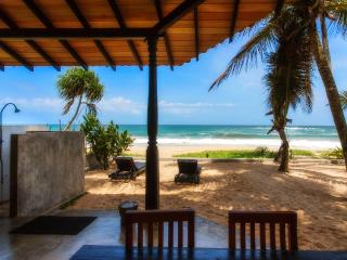 Anandhouse-2 bedroom beach-house air-con free wifi, Ambalangoda