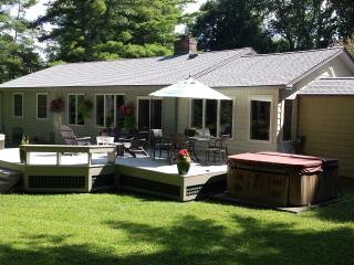 Vacation Home on 10 Acres with Pool and Spa, Stockbridge