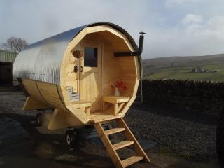 BISCUIT BARREL ,HOT TUB Pod ,Lakes,farm Romantic, Alston