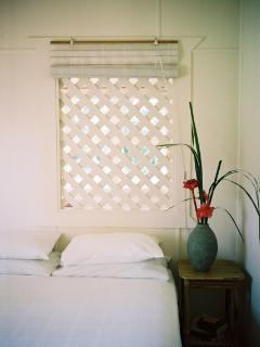 Another queen bedroom, airy, cool & comfortable with airconditioner and block out blinds.