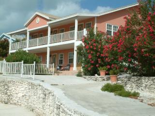 Island Breeze 1 Bdrm Ocean View Villa, George Town