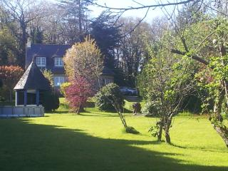 Beautiful Breton Holiday Home in Stunning Grounds with Swimming Pool - Sleeps 9+, Collinee