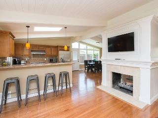 Newly Remodeled House in Palo Alto (30+day rental only)