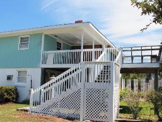 10 Center Terrace - Just One Block From The Beach - FREE Wi-Fi, Tybee Island