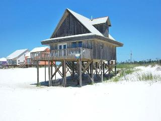 Wall Street is Beach Front,Pool,Wifi,Pet Friendly!, Fort Morgan