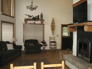 Fabulous River Cabin with Hot Tub!, Garden Valley