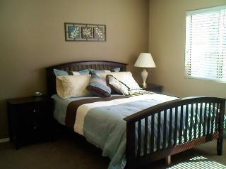 Just Like Home - 3BR and Pool!, Peoria