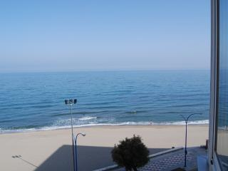 front beach 1 bed in carvajal, Fuengirola