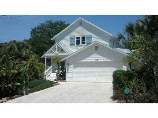 4 bedroom Key West style pool home minutes to village and beach, Siesta Key