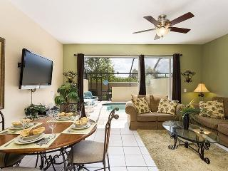 Tropical Townhouse | Beautiful Townhome with Sunny South Facing Pool and Nemo Themed Kids Bedroom, Kissimmee